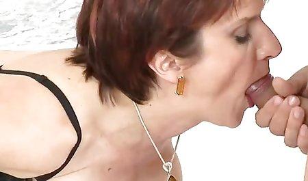 Die blonde Nathaly Heaven tanzt Strip sexfilme privat und masturbiert