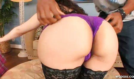 Erotische Massage einer amateur sexfilm figurierten Frau