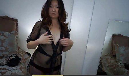 In der Natur zeigte sie ihren echte private pornos Körper