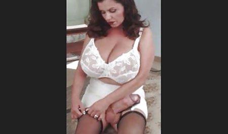 MILF mit ihrem Ehemann erfreut ihre Großmutter mit Sex amateur pornofilme gratis