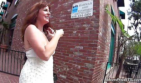 Taissia Shanti tritt den Mann zum amateurpornofilm Orgasmus