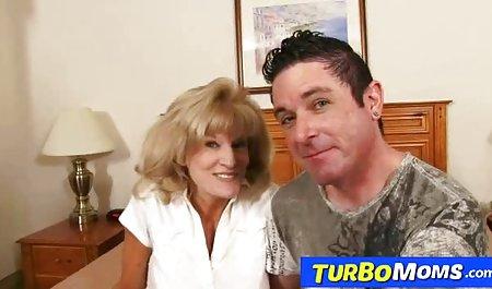 Mutter und Tochter in amatuer sexfilme einer Orgie