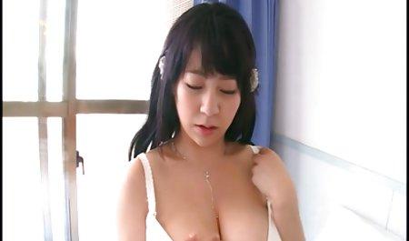 Sie erzählte ihrer Freundin von ihren amatuer sexfilme Abenteuern.