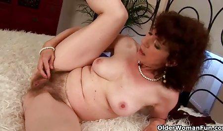 Nadia Capri masturbiert nach der Arbeit kostenfreie amateur pornos