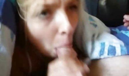 Beauty wusch hausgemachte amateur pornos sich und bemerkte die Kamera