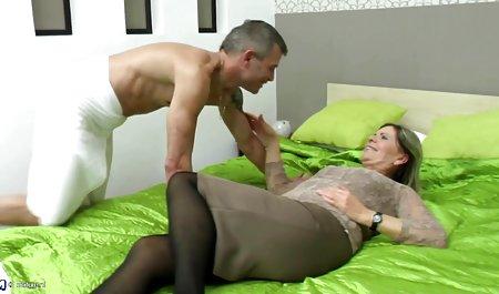 Die hübsche Brünette Luvv hat gratis deutsche amateur pornofilme harten Sex