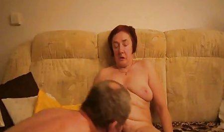 Ziggy Star kostenlose amatör pornos leckt sich die Finger an den Beinen