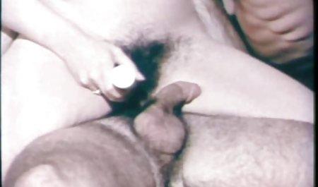 Die deutsche sexfilme amateure Lehrerin zeigte, wie man auf riesigen Dildos sitzt
