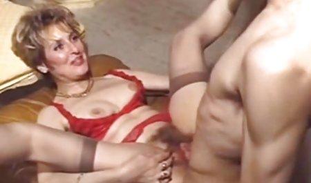 Das Mädchen auf der Couch deutsche privat pornos bekam einen Orgasmus