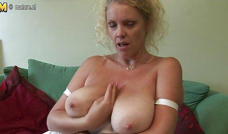 Stoya zeigt Körper in einer erotischen deutsche amateur pornofilme Soloszene