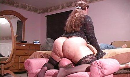 Porno auf einem deutsche amateuer pornos Ledersofa