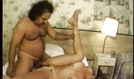 Die Lesben Aspen Reign und Naomi Woods luden deutsche amatör pornos einen kompetenten Gast ein