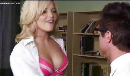Karlee Grey steckt sich die Finger in die sexfilme privat kostenlos Muschi