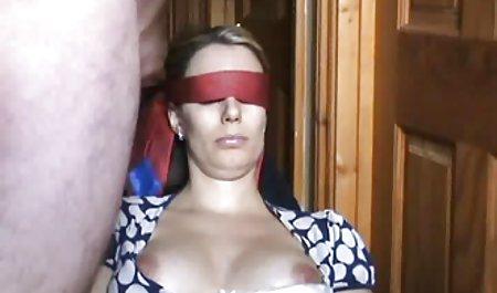 Abigail Mac mit geklebten hausgemachte amateur pornos Nippeln nahm an Trisom teil