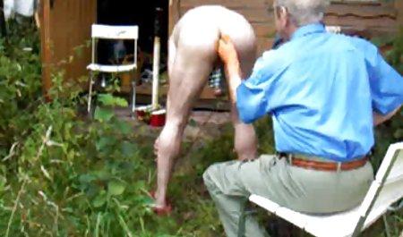 Domina trainiert kostenlose sexfilme privat einen Sklaven und hält seine Gliedmaßen in Ballen