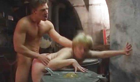 Kota Skye wird auf einem Massagetisch sexfilm amateur masturbiert und gefickt